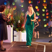 «Rose, Ruhm und Ehre» an der Bachelor-Diplomfeier